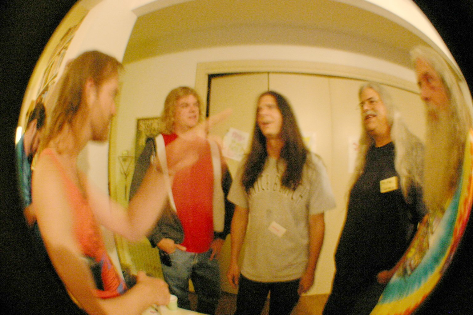 Stardust Hand Disappears While Talking With Matt David Mike and Bill
