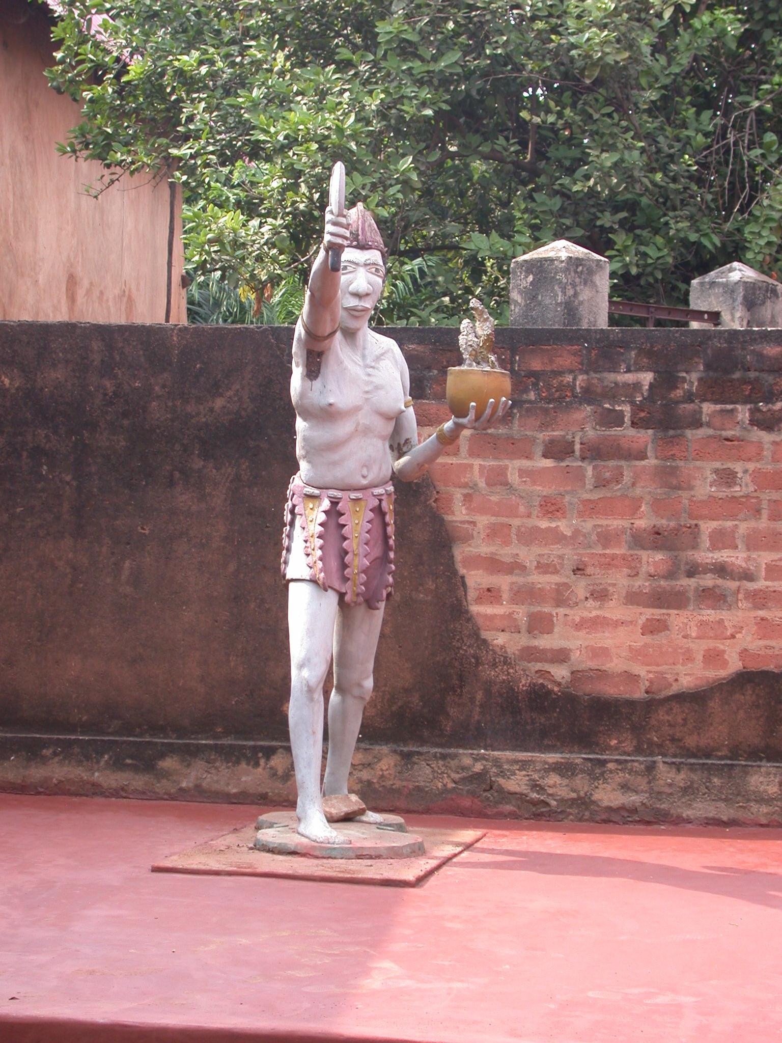 Statue at Musée Honmé, Porto Novo, Benin