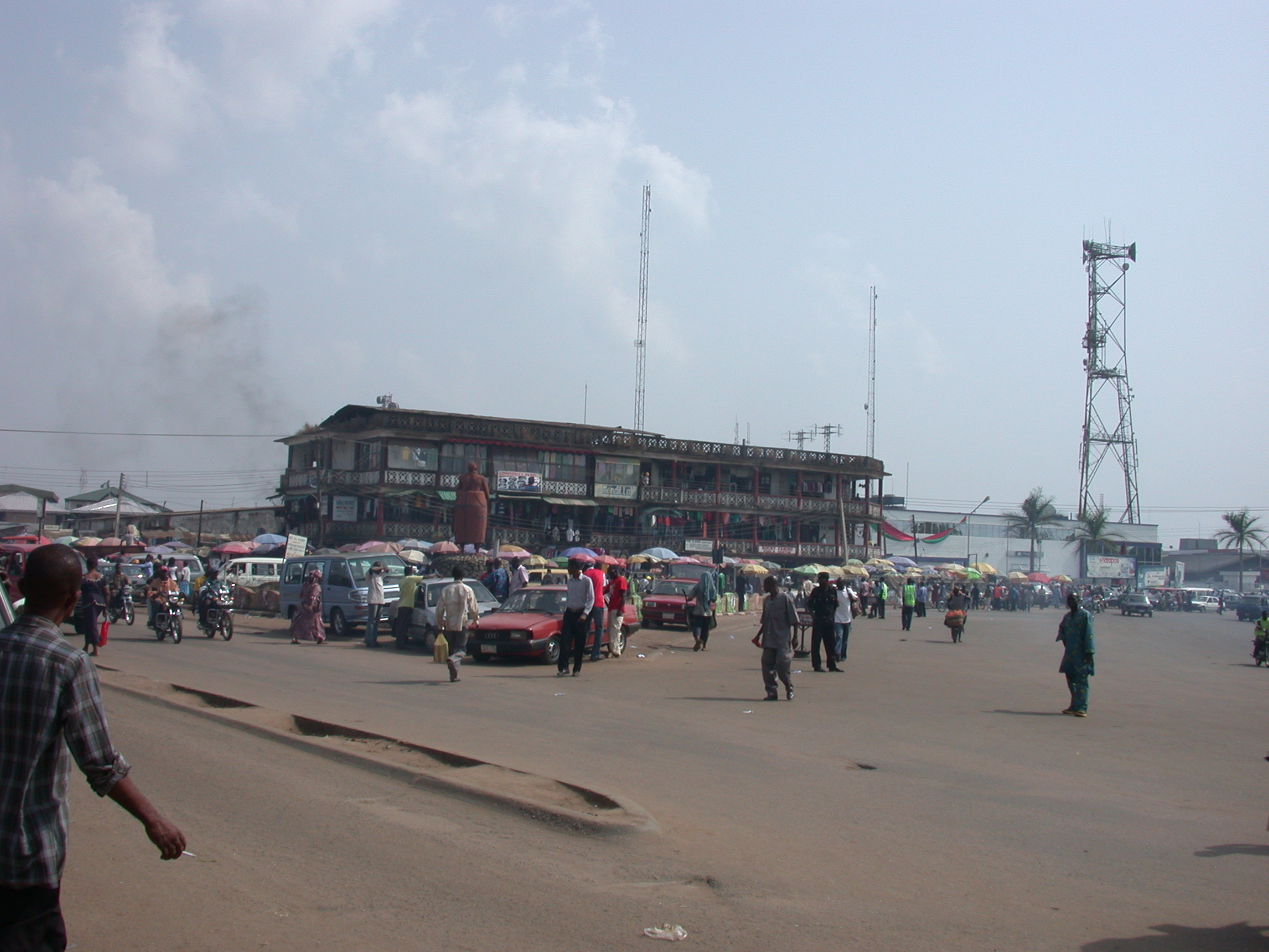 Shops and Statue on Ring Road, Kings Square, Benin City, Nigeria